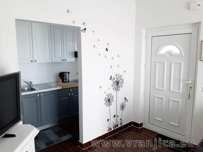 https://www.vranjica.eu/pokoje/apartman-tomislav-ap1-4-1-1611756409L.jpg