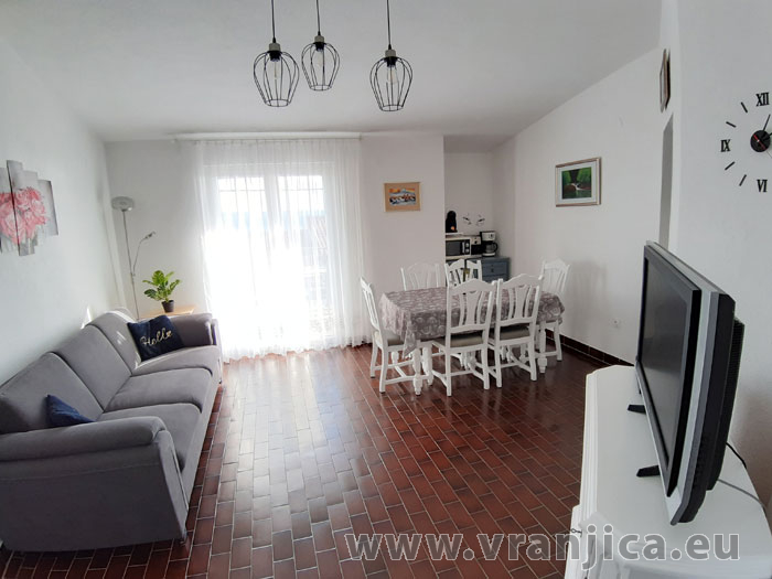 https://www.vranjica.eu/pokoje/apartman-tomislav-ap1-4-1-1611756500L.jpg