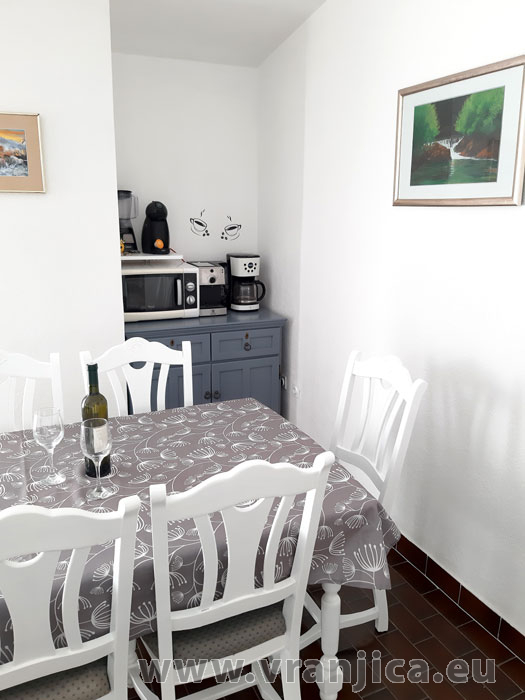 https://www.vranjica.eu/pokoje/apartman-tomislav-ap1-4-1-1611756523L.jpg