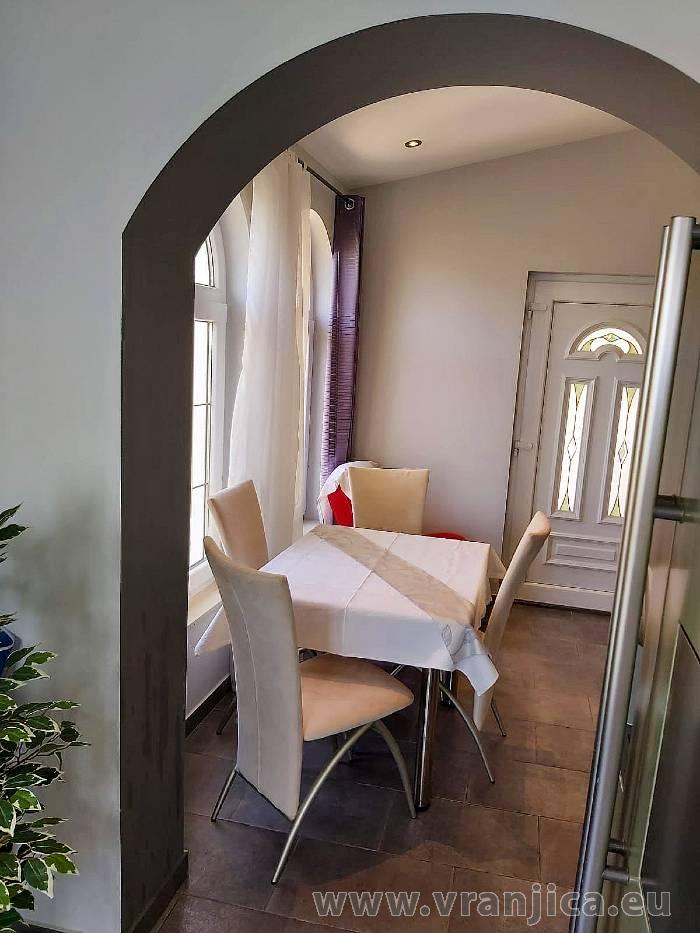 https://www.vranjica.eu/pokoje/apartman-val-ap1-studio-2-2-1610536239L.jpg