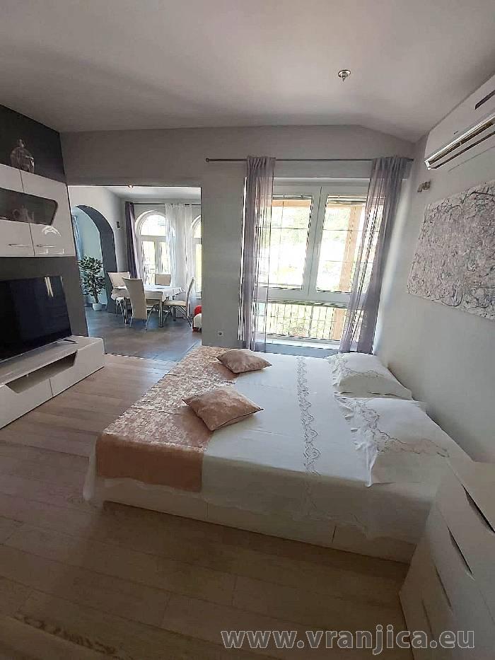 https://www.vranjica.eu/pokoje/apartman-val-ap1-studio-2-2-1610536310L.jpg