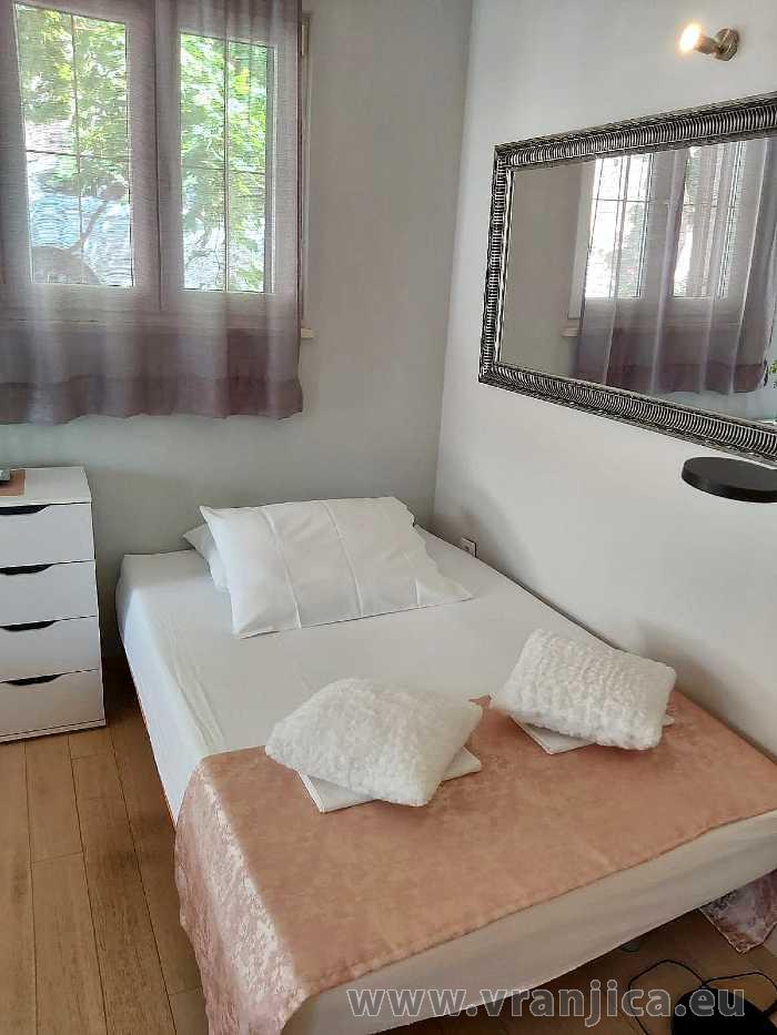 https://www.vranjica.eu/pokoje/apartman-val-ap1-studio-2-2-1610536353L.jpg