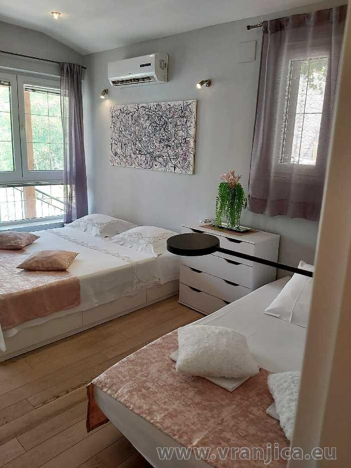 https://www.vranjica.eu/pokoje/apartman-val-ap1-studio-2-2-1610536369L.jpg