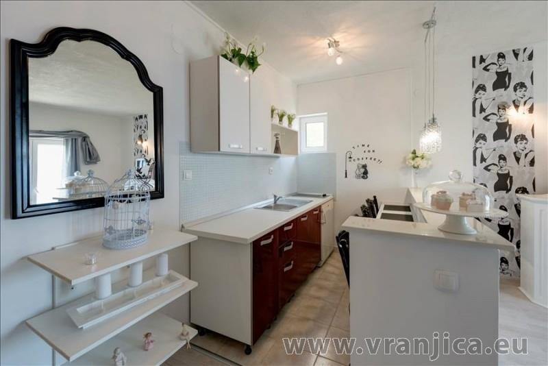 https://www.vranjica.eu/pokoje/apartman-val-ap7-4-mimice-chorvatsko-v-6029.jpg