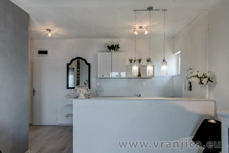 https://www.vranjica.eu/pokoje/apartman-val-ap7-4-mimice-chorvatsko-v-6038.jpg