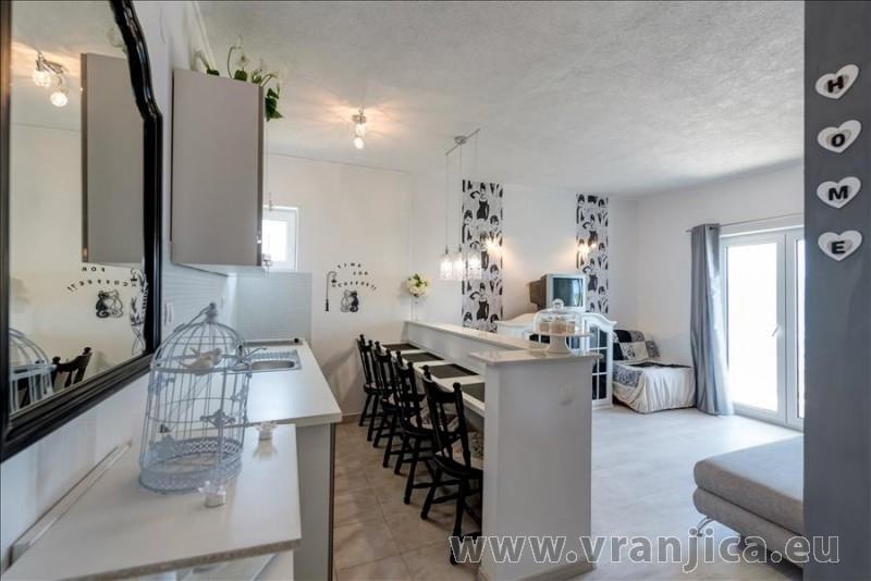 https://www.vranjica.eu/pokoje/apartman-val-ap7-4-mimice-chorvatsko-v-6050.jpg