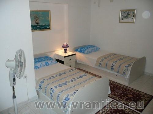 https://www.vranjica.eu/pokoje/apartman-vera-ap1-9-1--v-3005.jpg