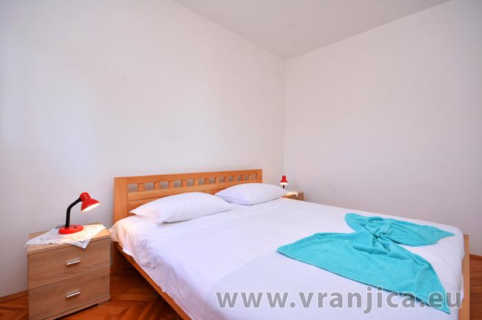 https://www.vranjica.eu/pokoje/apartman-vesela-ap1-4-1-1583271828L.jpg