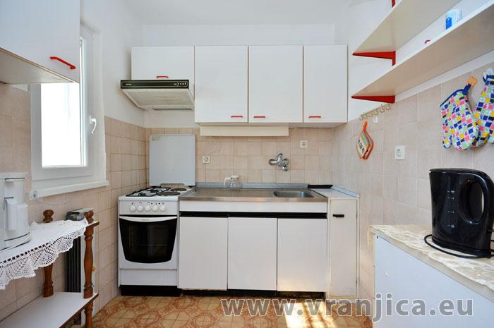 https://www.vranjica.eu/pokoje/apartman-vesela-ap1-4-1-1583271948L.jpg