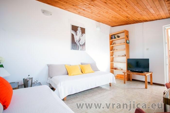 https://www.vranjica.eu/pokoje/apartman-visnja-ap-a-4--v-6911.jpg
