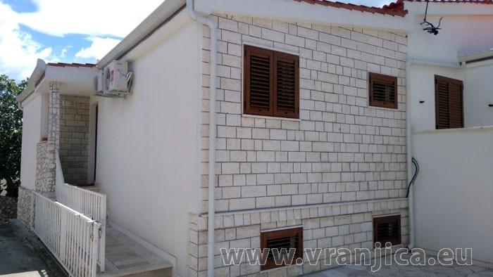 https://www.vranjica.eu/pokoje/apartman-visnja-ap-b-2-1--v-6210.jpg