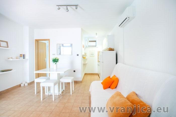 https://www.vranjica.eu/pokoje/apartman-visnja-ap-c-2-1--v-6934.jpg