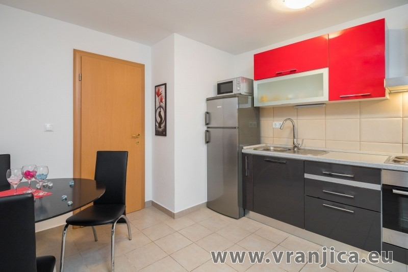 Chorvatcko Apartmán FRANO AP2 (4+1)  AP3 (2+1)