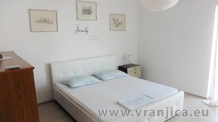 https://www.vranjica.eu/pokoje/vila-marina-vila-9-1--v-6301.jpg