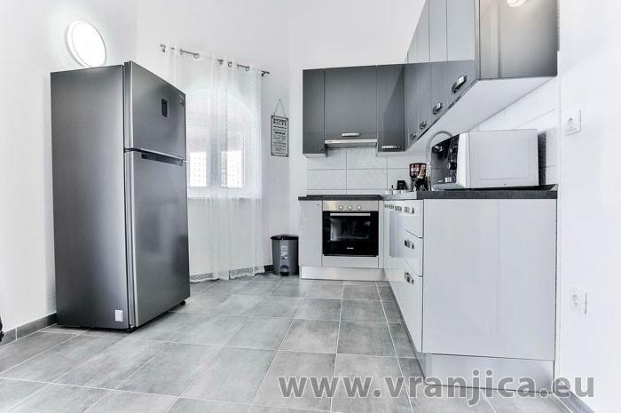 https://www.vranjica.eu/pokoje/vila-scandalli-ap-c-4-2--v-6869.jpg
