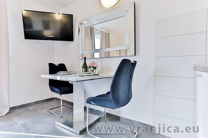 https://www.vranjica.eu/pokoje/vila-scandalli-ap-f-studio-2--v-6901.jpg